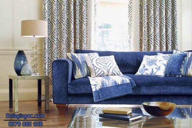 Sofa Xanh Với Hoa Văn