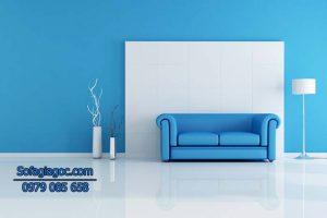 Sự kết hợp giữa 2 màu xanh & trắng của Sofa trong không gian nhà thể hiện sự tinh tế và phong cách