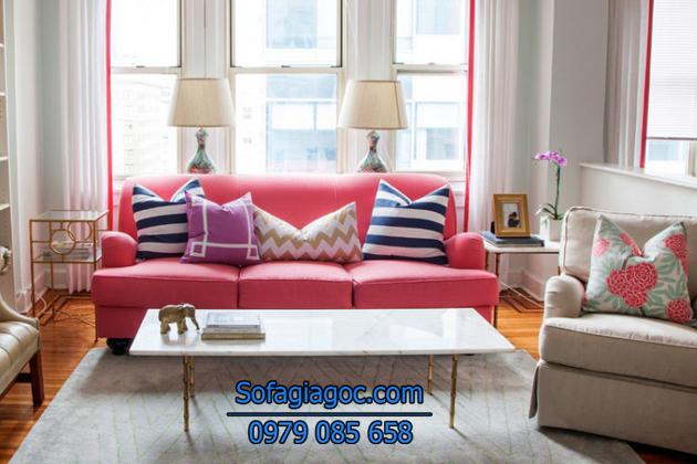 Sofa màu hồng thể hiện sự trẻ trung cá tính cho người mệnh hỏa