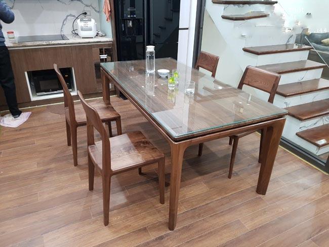 Mẫu bàn ăn gỗ đẹp gỗ óc chó