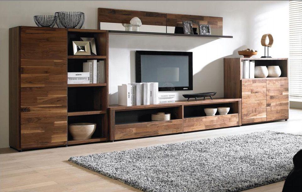 Nên đặt kệ tivi đối diện bộ bàn ghế sofa