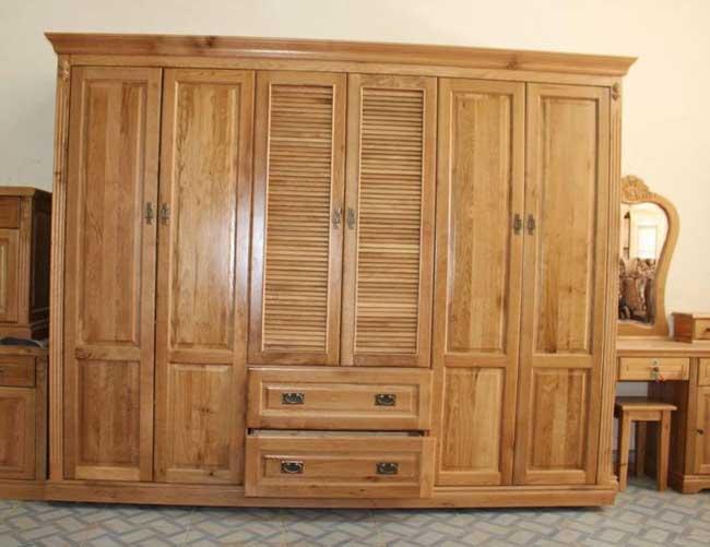 Tủ quần áo bằng gỗ tự nhiên